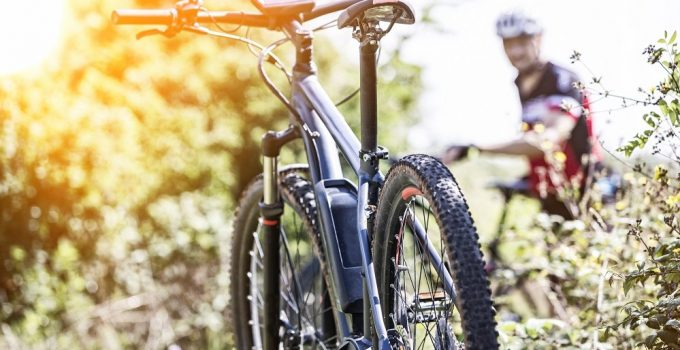 Best Hybrid Bike Tires: Top 10 Options