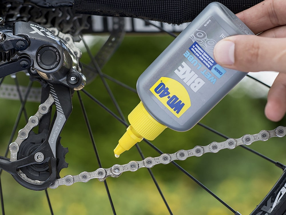 lubricating bike chain