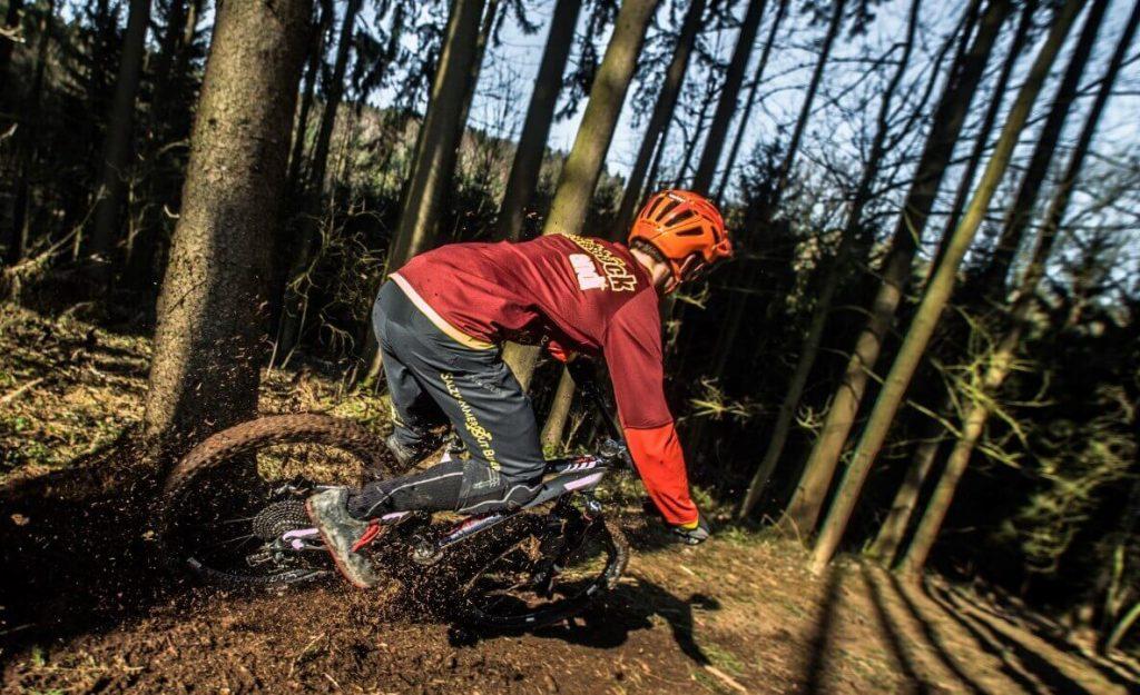 MTB riding woods
