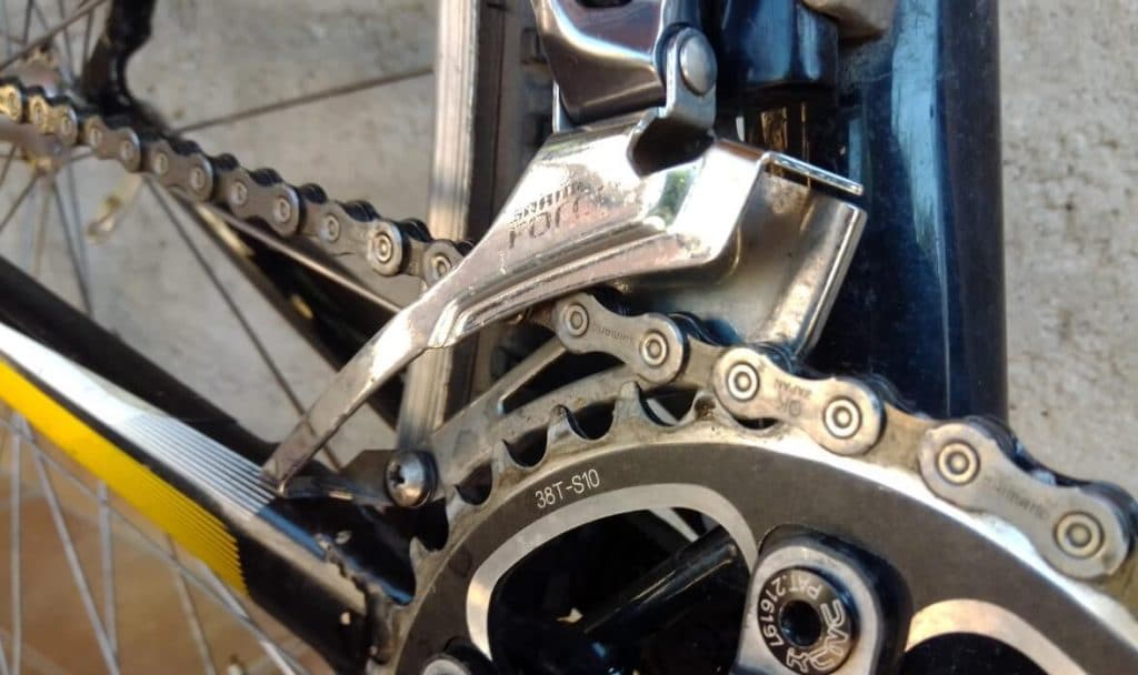 Cleaning bicycle chain process